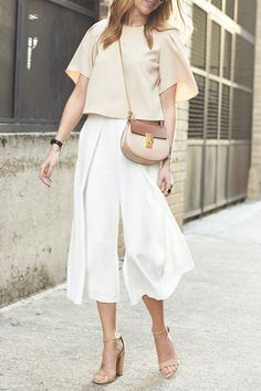 9 Photogenic Outfit Formulas You'll Love via @PureWow
