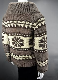 Cowichan Sweater Cardigan Zip Up Jacket - Ladies Small Cowichan Sweater, Sweater Cardigan, Men Sweater, Hand Knitting, Knitting Patterns, Sweater Making, Snug, Winter Outfits, Knit Crochet