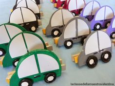 La classe della maestra Valentina: UN FERMACARTE PER PAPA' Wooden Toys, Art Projects, Crafts For Kids, Activities, Bookmarks, Education, Easy Kids Crafts, Easy Crafts, Presents