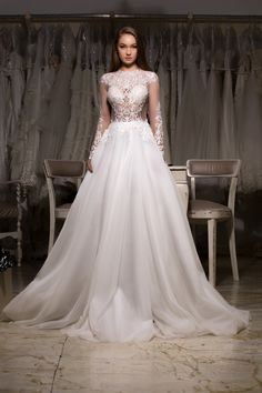 #MarySten #CreatDinPasiune #StilTradițieEleganță #BrideToBe #bridedress #bridelove #weddingdress #heracollection #princess