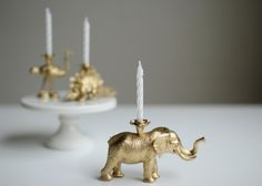 Creative: Eleven cute party ideas (Make your own glittery candle holders: DIYS - how to make gold party animal birthday candles. Via Hank & Hunt. Diy Party Animals, Animal Party, Plastic Animal Crafts, Plastic Animals, Gold Diy, Do It Yourself Inspiration, Animal Birthday, Diy Birthday, Party Animals