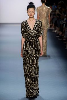 Jenny Packham New York Fashion Week Spring 2017 RTW Collection Couture Fashion, Fashion Show, Fashion Design, Fashion Trends, Jenny Packham, Evening Gowns, Beautiful Dresses, Cute Outfits, Style Inspiration