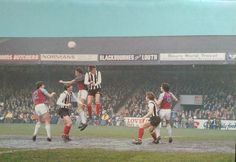 Blue sky and mud at a packed Blundell Park as Whymark, Drinkell and Cumming take on in April 1981 Grimsby Town Fc, Mud, Places To Visit, Old Things, English, Football, Baseball Cards, Retro, Sports