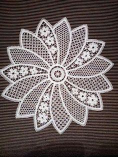 Diy Crafts - Oval crochet doily new hand crocheted doilies ecru doily Filet Crochet, Doilies, Dream Catchers, Tutoriale, Artizanat Crochet Tree, Easter Crochet, Crochet Round, Single Crochet, Hand Crochet, Filet Crochet, Crochet Motifs, Thread Crochet, Irish Crochet