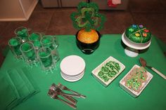 Karen Mom of Three's Craft Blog: Brandy's St. Patrick's Day Party for Dolls - Cute tutorial to make cake and biscuits and more