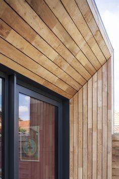 BOU.M _ REZE (44) Transformation et extension d'une habitation - BRUT ARCHITECTES