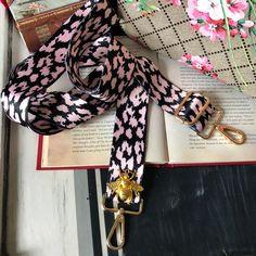 Diy Bag Strap, Purse Strap, Great Gifts For Girlfriend, Vintage Bee, Shoulder Strap Bag, Beaded Anklets, Leopard Pattern, Pink Leopard, Pink Black