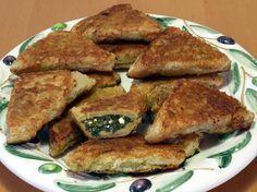 Griechische Tiropita: Blätterteigtaschen mit Feta-Käse und Spinat