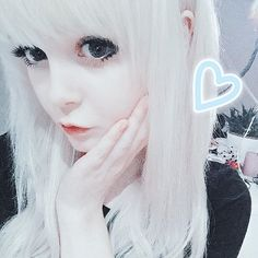kitti milkgore needs soul mate) Hi i'm Zoe L i have two sisters i'm the youngest and 19 I love art and make up i can be inmature but normal too. I want to find a soul mate say hi *i giggle* i dont bite
