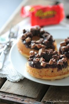 Baked-Reeses-Peanut-Butter-Cup-Donut.jpg 450×675 pixels