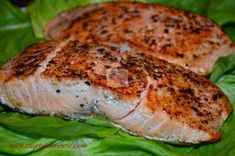 Somon la tigaie | CAIETUL CU RETETE My Recipes, Cooking Recipes, Favorite Recipes, Romanian Food, Salmon Burgers, Seafood, Goodies, Food And Drink, Turkey