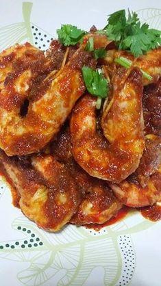 Singapore Home Cooks: Sambal Prawns by Margaret Goh Prawn Recipes, Fish Recipes, Indian Food Recipes, Asian Recipes, Healthy Recipes, Indonesian Recipes, Indonesian Food, Chinese Recipes, Chinese Food