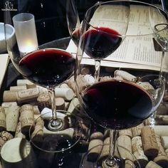 Red, red wine #bobmarley #friday #winetasting #wine #winelovers #shiraz #tempranillo #cabernetfranc #barolo #wineadventures #winefriday