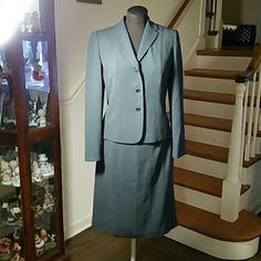 2 Pc Suit by Ann Taylor 2 Pc Suit by Ann Taylor NOT PART OF SALE we are a pet and smoking home Location 15 Ann Taylor Skirts