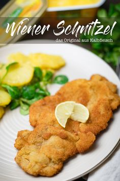 Our recipe from the original Wiener Schnitzel with the perfect breading. Very simple and tasty. Buchi Recipe, Gourmet Recipes, Healthy Recipes, Rice Recipes For Dinner, Beef Sandwich, Hamburger Meat Recipes, Pasta Salad Recipes, Evening Meals, Mushroom Recipes
