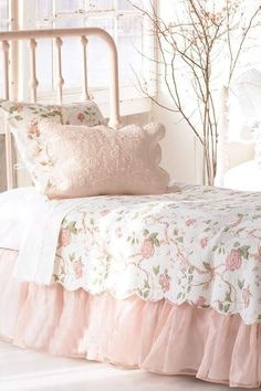 Sweet colours for a bedroom, very sweet and romantic energy! If only the bed was not against the window, and the headboard was more solid, this would make a lovely feng shui bedroom! Pink colour feng shu tips here: http://fengshui.about.com/od/fengshuiuseofcolors/qt/fengshuipink.htm