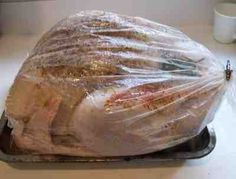 How to cook the perfect Turkey dinner for Thanksgiving! Easy step-by-step illustrations using an Oven Roasting Bag.