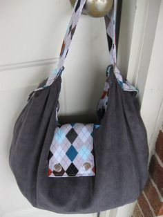 Slouchy Bag Pattern (Free!)