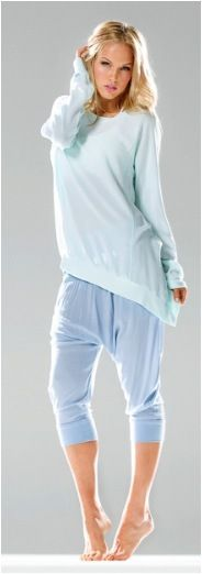 The Hard Tail new Chevron Weave asymmetric long sleeve pullover will be your favorite fashion piece.  Worn over shorts harem pants leggings or a skinny skirt you cannot go wrong with the stand out new Tee shouting in mint Spring has Sprung!