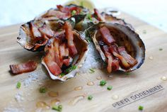 Check out this delicious recipe for Oysters Kilpatrick from Weber—the world's number one authority in grilling. Bacon Recipes, Seafood Recipes, Snack Recipes, Weber Q Recipes, Grilled Oysters, Oyster Recipes, Weber Bbq, Most Delicious Recipe, Healthy Food Options