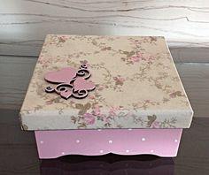 Porta joia/biju - dois corações - tam P Decoupage Vintage, Decoupage Box, Shabby Chic Boxes, Vintage Shabby Chic, Vintage Scrapbook, Mini Scrapbook Albums, Wooden Memory Box, Pretty Box, Stone Crafts