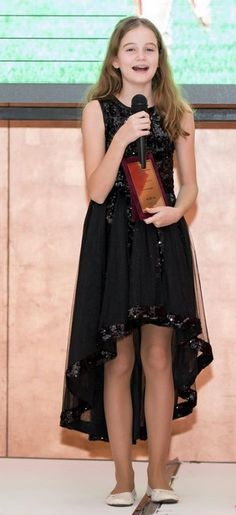 Irina Columbeanu, mesaj emoţionant, pentru mama...   WOWBiz My Idol, Youtubers, High Low, Dresses, Fashion, Vestidos, Moda, Fashion Styles, Dress