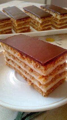 Diós- mézes- tejszínes- csokis! Ha tudnád, milyen finom… Hungarian Desserts, Hungarian Cake, Hungarian Recipes, Cookie Desserts, Dessert Recipes, Poppy Cake, Sweet And Salty, Winter Food, Sweet Tooth