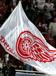 DETROIT RED WINGS GAME FLAG