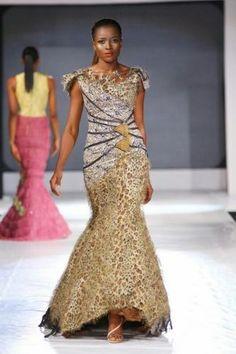 african women clothing styles #AfricanWeddings #Africanprints #Ethnicprints #Africanwomen #africanTradition #AfricanArt #AfricanStyle #AfricanBeads #Gele #Kente #Ankara #Nigerianfashion #Ghanaianfashion #Kenyanfashion #Burundifashion #senegalesefashion #Swahilifashion DKK