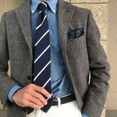 Time to spring mood. Stylish Men, Men Casual, New Outfits, Cool Outfits, Winter Suit, Herren Outfit, Men Formal, Outfit Combinations, Tweed Jacket