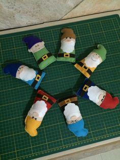 Os Sete Anões em feltro.