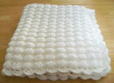 CROCHET WHITE BABY BLANKET SHELL PATTERN HANDMADE GIRL BOY GREAT GIFT BAPTISM…