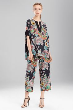 Sleepwear on Sale Sleepwear Women, Pajamas Women, Floral Pants Outfit, Night Suit For Women, Nightgown Pattern, Cute Pajama Sets, Pantsuits For Women, Mature Fashion, Business Dresses