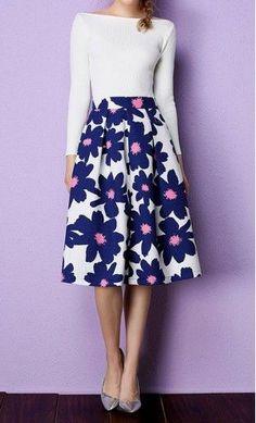 Daisy high waist A-line floral pleated midi skirt in Blue.