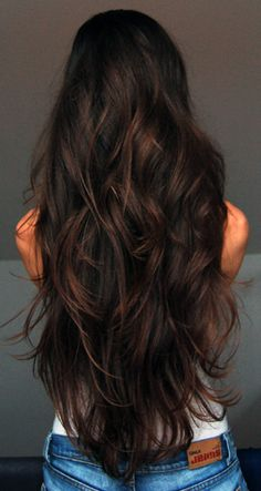 my hair inspiration 💜 Beautiful long Brunette Hair. For this hair color, ask your stylist for Aloxxi Hair Color Personality Arrividerci Roots! Long Brunette Hair, Dark Brunette, Wavy Hair, Long Hair Cuts Wavy, Brunette Hair Colour, Brunette Long Layers, Perfect Brunette, Brunette Ombre, Pretty Brunette