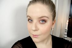 Glossy lips - http://www.liseemilia.com/