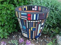 Mosaic Flower Pot Frank Lloyd Wright Inspired by MosaicsByJoan. this should sell well. Mosaic Planters, Mosaic Vase, Mosaic Tile Art, Mosaic Flower Pots, Mosaic Artwork, Mosaic Crafts, Mosaic Projects, Mosaics, Pebble Mosaic