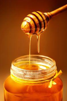 When explorers first entered the tomb of Tutankhamen, an ancient Egyptian pharao. Honey Logo, Honey Packaging, Natural Honey, Milk And Honey, Jar Of Honey, Raw Honey, Preserving Food, Honeycomb, Food Art