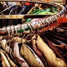 Wir sind Second Hand - ReSales Secondhand Vintage Shop, Second Hand, Two Hands, Clothes Hanger, Blazer, News, Jackets, Children, Hangers
