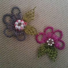 This Pin was discovered by Jjj Needle Lace, Diy And Crafts, Projects To Try, Brooch, Flowers, Jewelry, Istanbul, Board, Tejidos