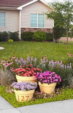 80 DIY Beautiful Front Yard Landscaping Ideas (13) #LandscapeFrontYard #LandscapingFrontYard