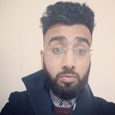 When you wake up thinking it's Friday but realise  its only Wednesday  #selfie#beardgang#beardporn#beardgains#beardgrowth#beardoil#beardselfie#asian#desi#punjabi#fade#art#geek#barber#mornings#suck#pognophile#suitedandbooted#worklife#workattire#banking#daarigang#sunnahgang#fitness#cardio#gym#lifting#muscle#exercise by khurram_ahmed_