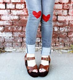 11 DIY Denim Projects - From DIY Attachable Sleeves to Hippie-Inspired Jean Tutorials (TOPLIST)
