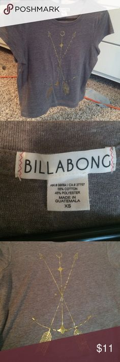 CUTE CROP TOP Brand Billabong, bought from Pacsun!! Very cute, grey crop top. Has a shiny gold design on the front and a plain back. No stains or tears, good as new! PacSun Tops Crop Tops