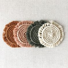 Coaster Set of 4 / Rust, Blush, Army Green, Cream / Macrame Coasters Craft Gifts, Diy Gifts, Mode Crochet, Diy Coasters, Boho Diy, Handmade Decorations, Coaster Set, Crochet Patterns, Arts And Crafts