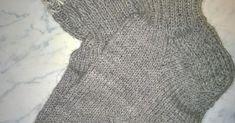 Harmaat silmuresorisukat miehelle  Pitihän tuota omakeksimää resoria kokeilla muihinkin sukkiin. Ohjeen löydät tältä sivulta . Lanka Nallea ... Knitting, Patterns, Tricot, Cast On Knitting, Stricken, Crocheting, Knits, Yarns, Stitches