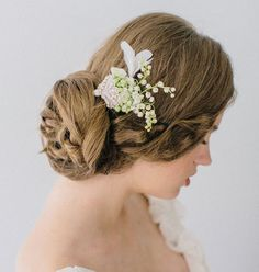 don't love the clip, but I like the idea of lilly of the valley being in my hair.