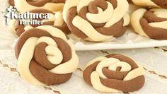 Rüzgar Gülü Kurabiye Tarifi İçin Malzemeler 250 gram oda ısısında yumuşamış tereyağı veya margarin 1 adet yumurta, 1 buçuk su bardağı pudra şekeri, 1 su bardağı nişasta, African Dessert, Biscuits, Homemade Beauty Products, Yogurt, Babyshower, Muffins, Cooking Recipes, Cookies, Food