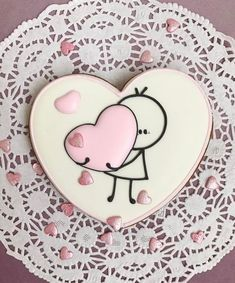 55 Ideas For Cake Decorating Wedding Sugar Cookies - St Valentin Fleurs Valentine's Day Sugar Cookies, Fancy Cookies, Heart Cookies, Iced Cookies, Cute Cookies, Royal Icing Cookies, Cookies Et Biscuits, Cupcake Cookies, Summer Cookies