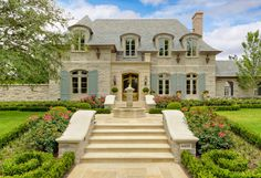 There are few things finer than French architecture. French country exterior design homes are a perfect marriage of traditional values and innovation. Style At Home, French Style Homes, French Country Style, French Country Decorating, Cottage Decorating, Modern Country, European Style, French Country Exterior, Country Home Exteriors